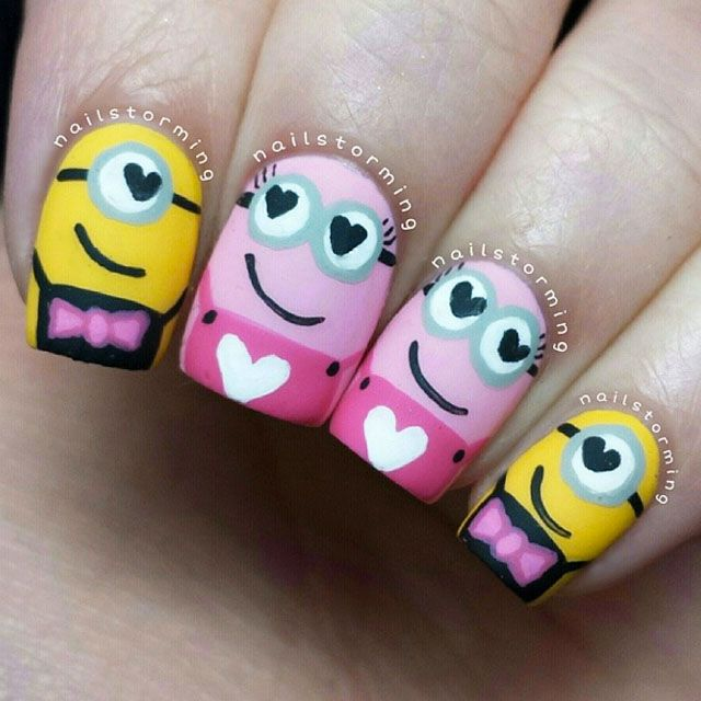 Minions in love nails
