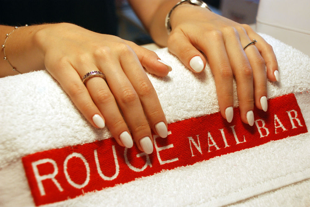 Sarah | #ManiFriday: Unghii cu gel la Rouge Nail Bar (guest post